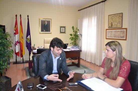 Entrevistando al alcalde de Tordesillas, Jose Antonio González Poncela.